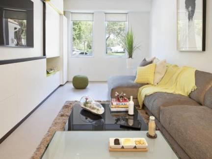 米色小户型简约客厅沙发设计