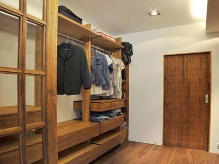 棕色现代风格衣帽间华美衣柜装修图片