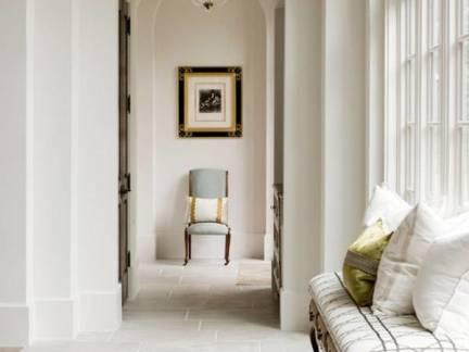白色地中海风格客厅背景墙装修设计图