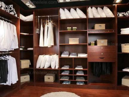 时尚棕色中式风格衣帽间窗帘装修设计图