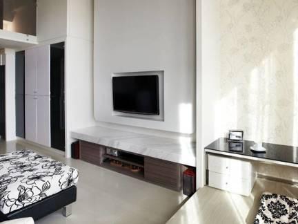 舒适白色现代风格卧室电视柜装修设计图