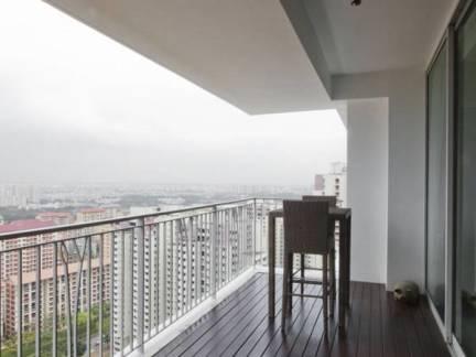 灰色现代风格舒适阳台吊顶装修设计图