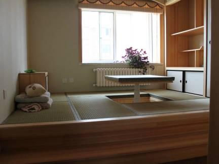 棕色日式风格阳台榻榻米装修效果图