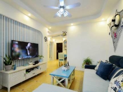 白色地中海风格温馨客厅电视柜装修图片