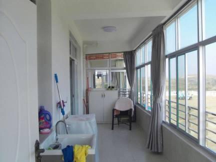 灰色现代风格阳台窗帘装修图片
