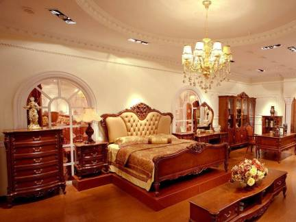 米色欧式风格浪漫卧室吊顶装修图片