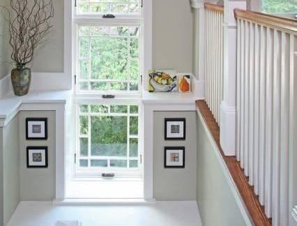 白色现代风格阁楼楼梯装修设计图