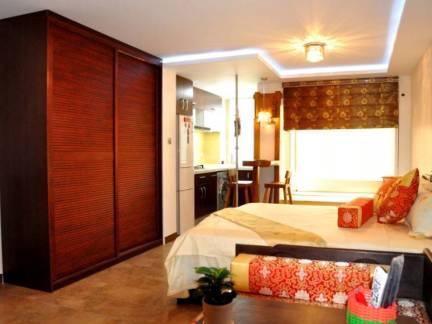 唯美米色中式风格卧室衣柜装修设计图