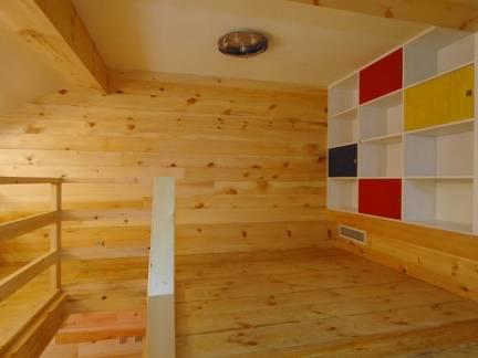 棕色现代风格儿童房榻榻米装修设计图