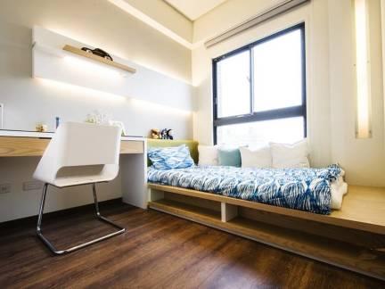 舒适米色现代风格卧室榻榻米装修设计图