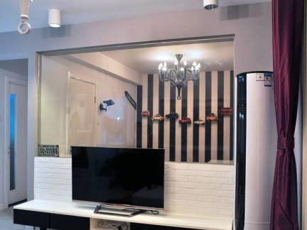 紫色现代风格客厅窗帘装修效果图