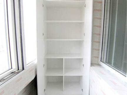 白色现代风格阳台储物柜装修美图