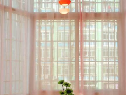 粉色现代风格华美阳台窗帘装修美图