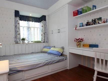 白色现代风格儿童房榻榻米装修设计图