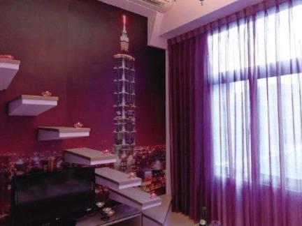 紫色现代风格素雅客厅窗帘装修美图