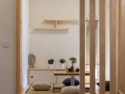 米色日式风格阳台榻榻米装修美图
