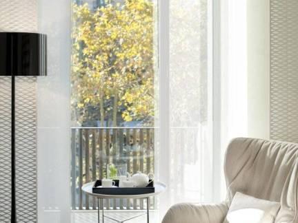 白色现代风格阳台窗帘装修图片