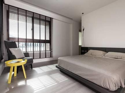白色现代风格时尚卧室榻榻米装修设计图
