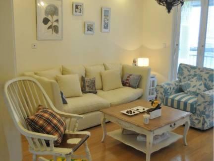 白色地中海风格客厅沙发装修图片