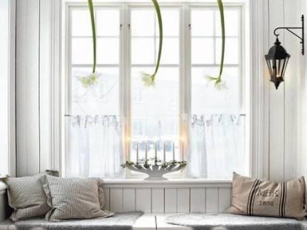 白色素雅北欧风格阳台窗帘装修美图