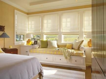 米色欧式风格雅致卧室窗帘装修效果图