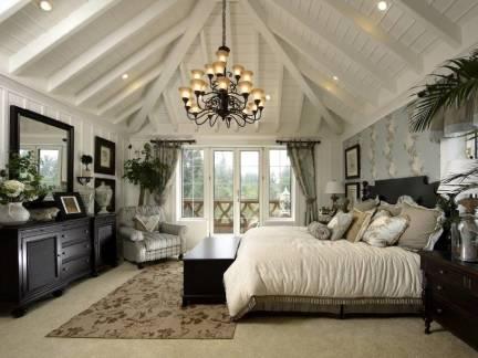 米色欧式风格卧室唯美吊顶装修设计图