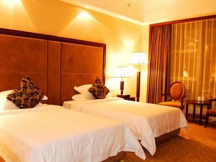 棕色中式风格优雅卧室窗帘