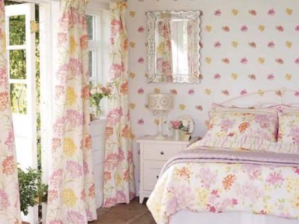 白色田园风格卧室床头柜装修美图