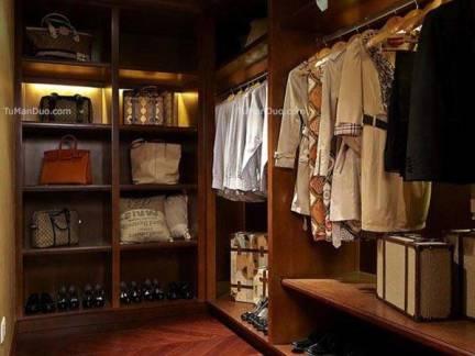 棕色中式风格衣帽间衣柜装修设计图