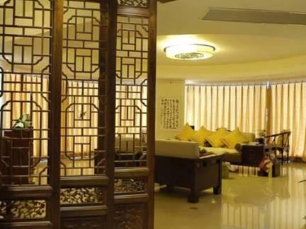 米色中式风格华美客厅窗帘装修图片