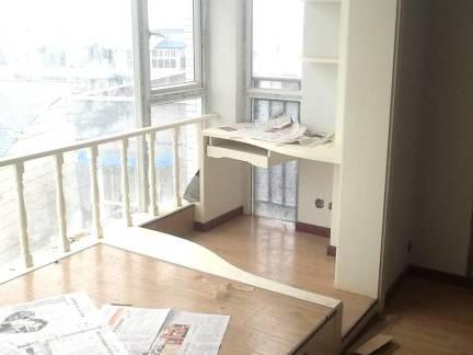 白色现代风格书房飘窗装修效果图