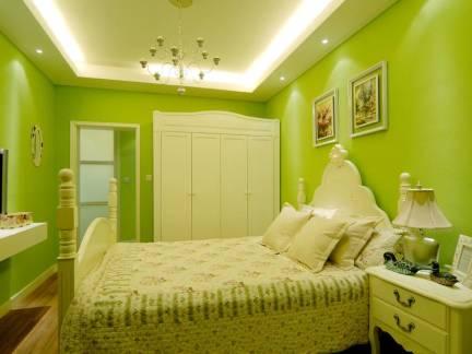 绿色田园风格卧室照片墙装修图片