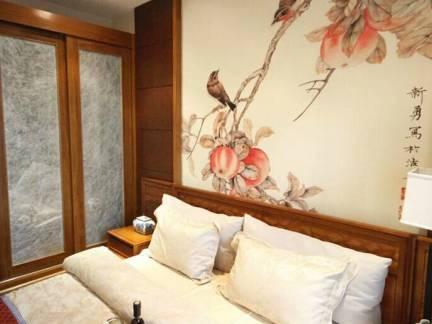 棕色中式风格卧室榻榻米装修效果图