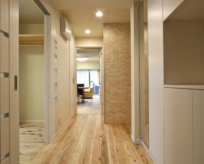 地板日式玄关的设计效果图