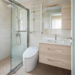 日韩风格三居室卫生间装修效果图