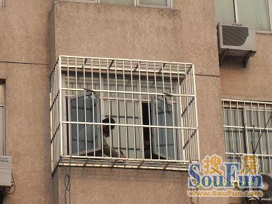 北京不锈钢防盗窗防护栏安装