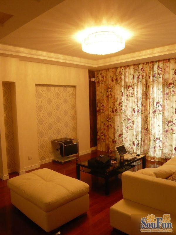 98平2室2厅 现代简约风格装修案例 预算8万元高清图片