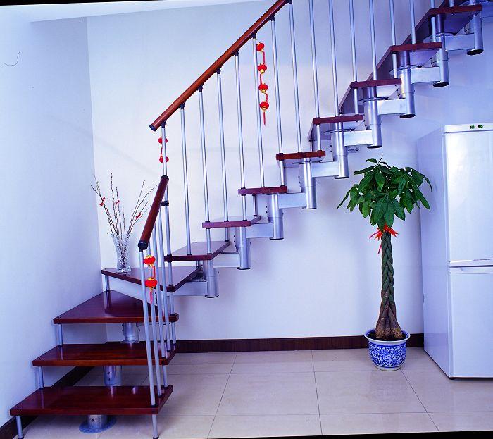 上海钢木楼梯 钢木楼梯价格 品家钢木楼梯 莱伯蒂系列