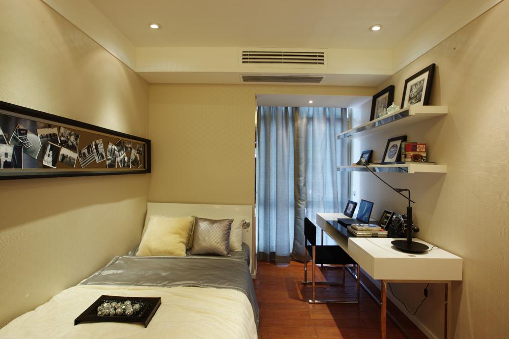 现代简约一居室卧室床头柜装修图片