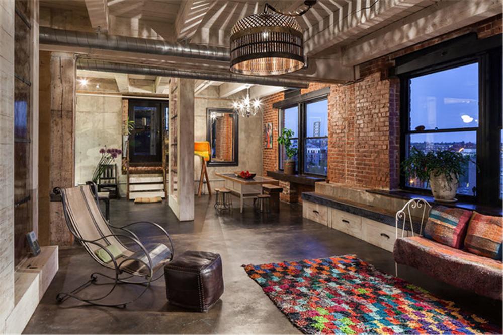 东南亚风格家饰特有的棕色、咖啡色以及实木、藤条的材质,通常会给视觉带来厚重之感,而现代生活需要清新的质朴来调和。