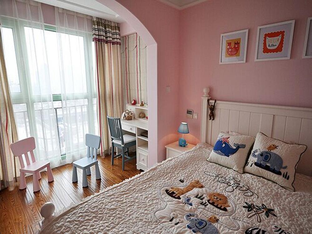粉色调的儿童房设计