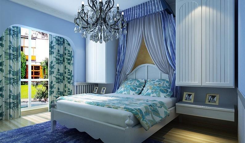 """卧室,""""海""""与""""天""""明亮的色彩、仿佛被水冲刷过后的白墙、薰衣草、玫瑰、茉莉的香气、"""