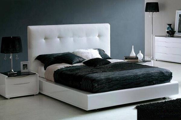 软包床重在一个简约上,简洁的高靠背样式是现代简约软包床的主打,它没有繁复绮丽的修饰,取而代之的是引进英式拉扣设计,使整款现代简约软包床在平淡中增添了些时尚大方。软包大床,让您每一个睡眠都甜美。