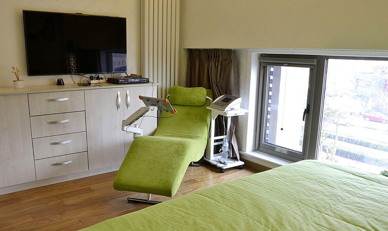 3套刚需房80平现代简约装修效果图 6万装修舒适二居高清图片