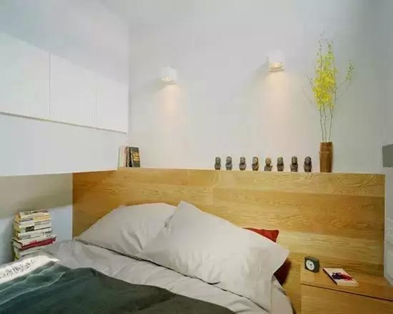 二层的卧室空间,还是以极简主义为主