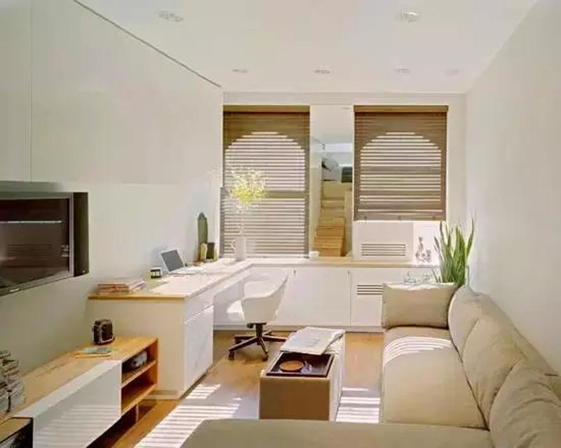整体都是白色和木质的设计风格,使空间不显拥挤