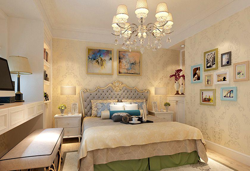 卧室主色为米黄色,打造出温馨简约之感,整体的书柜和书桌充分的利用空间。