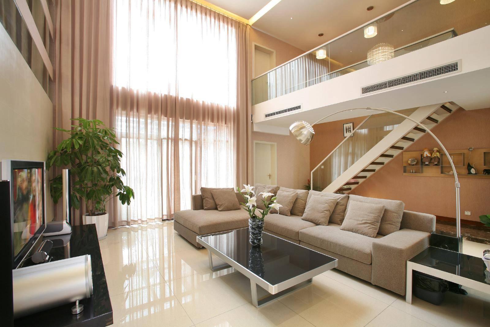 典雅复式楼挑高客厅沙发装修设计图片