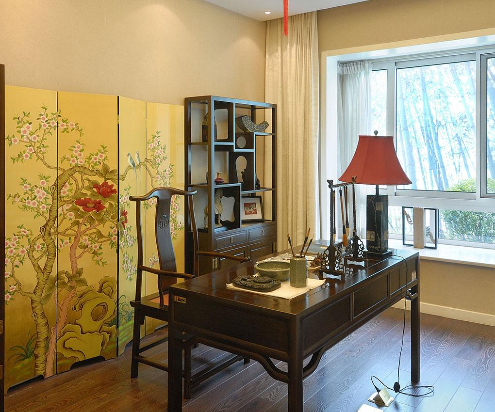 主要崇尚自然,含更多的中国元素,融合了现代人的生活,更具简练,大气。