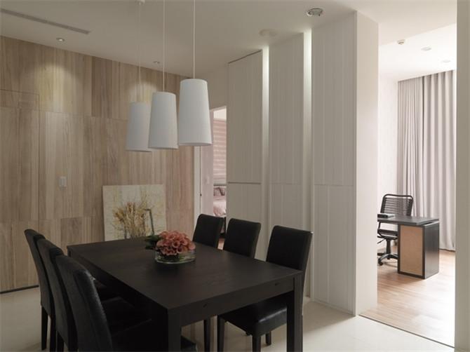 空间设计通常非常含蓄,往往能达到以少胜多、以简胜繁的效果。